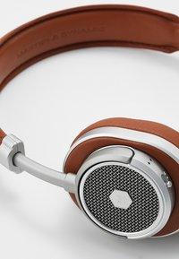 Master & Dynamic - MW50 WIRELESS ON-EAR - Koptelefoon - brown/silver - 6
