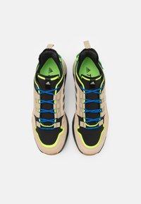 adidas Performance - TERREX HIKSTER LOW - Hiking shoes - savannah/core black/signal green - 3