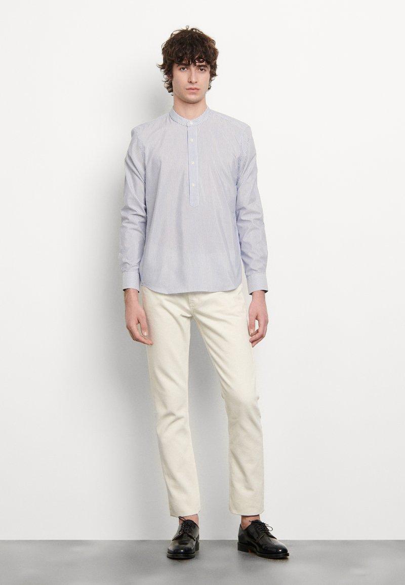 sandro - TUNIQUE CHEMISE CASUAL - Skjorter - bleu/blanc
