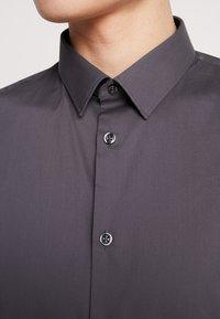 CELIO - MASANTAL SLIM FIT - Formal shirt - charcoal - 5