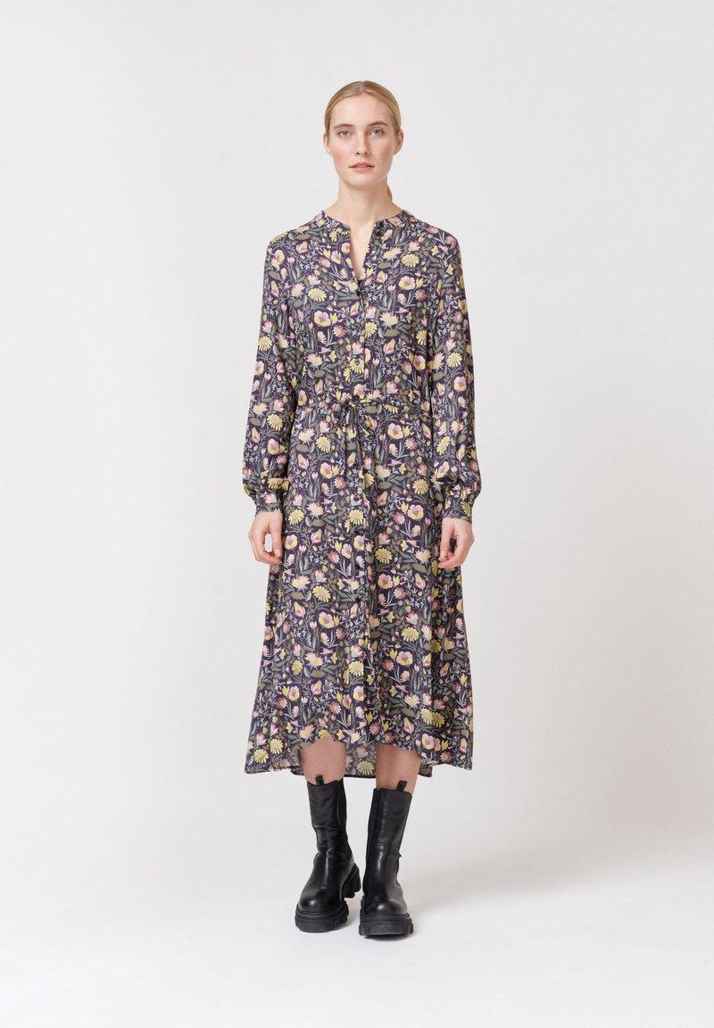 Dea Kudibal - Shirt dress - autumn bouquet