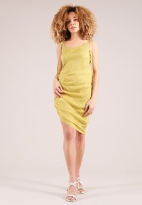 blonde gone rogue - GATHERED - Cocktail dress / Party dress - yellow - 0