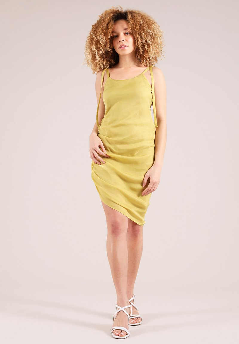 blonde gone rogue - GATHERED - Cocktail dress / Party dress - yellow