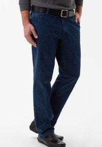 BRAX - STYLE JIM - Straight leg jeans - blue stone - 2