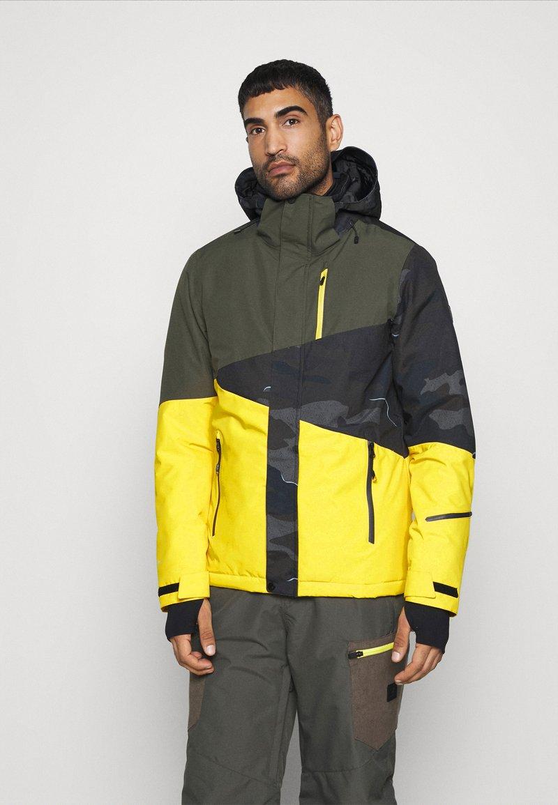 Brunotti - IDAHO MENS SNOWJACKET - Snowboardová bunda - cyber yellow