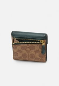 Coach - COLORBLOCK SIGNATURE SMALL WALLET - Wallet - tan/forest - 4
