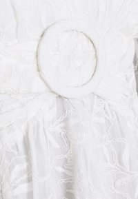 Forever New Petite - YORYU DRESS - Sukienka koktajlowa - white - 2