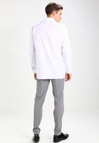 OLYMP Luxor - NEW KENT - Kostymskjorta - weiß - 2