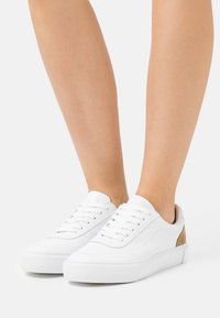 Marc O'Polo - VENUSE - Trainers - white/beige - 0