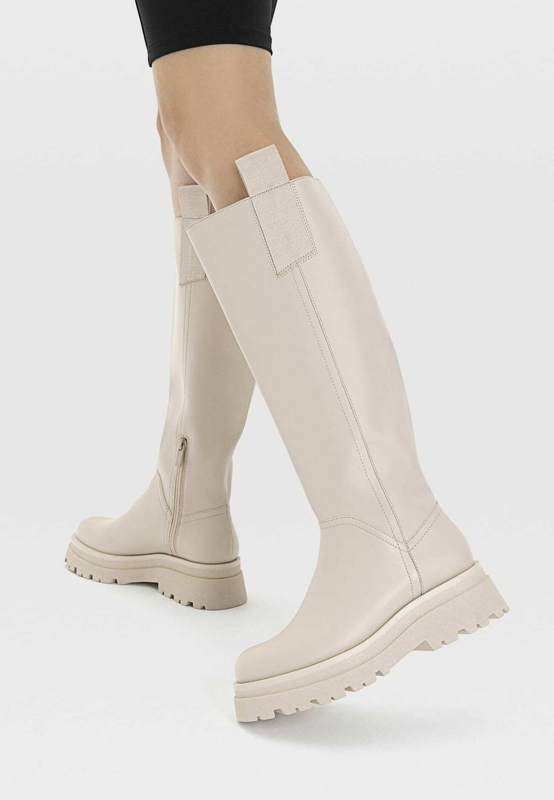 Stradivarius - Boots - off-white