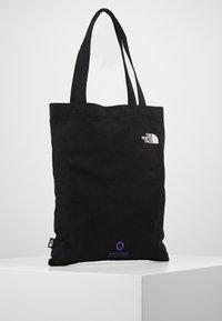 The North Face - WOMAN DAY BAG - Sac de sport - black - 2