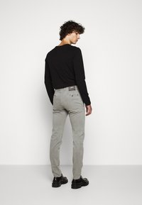 JOOP! Jeans - STEEN - Spodnie materiałowe - beige - 2
