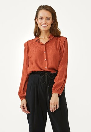CADENCE - Button-down blouse - arabian red