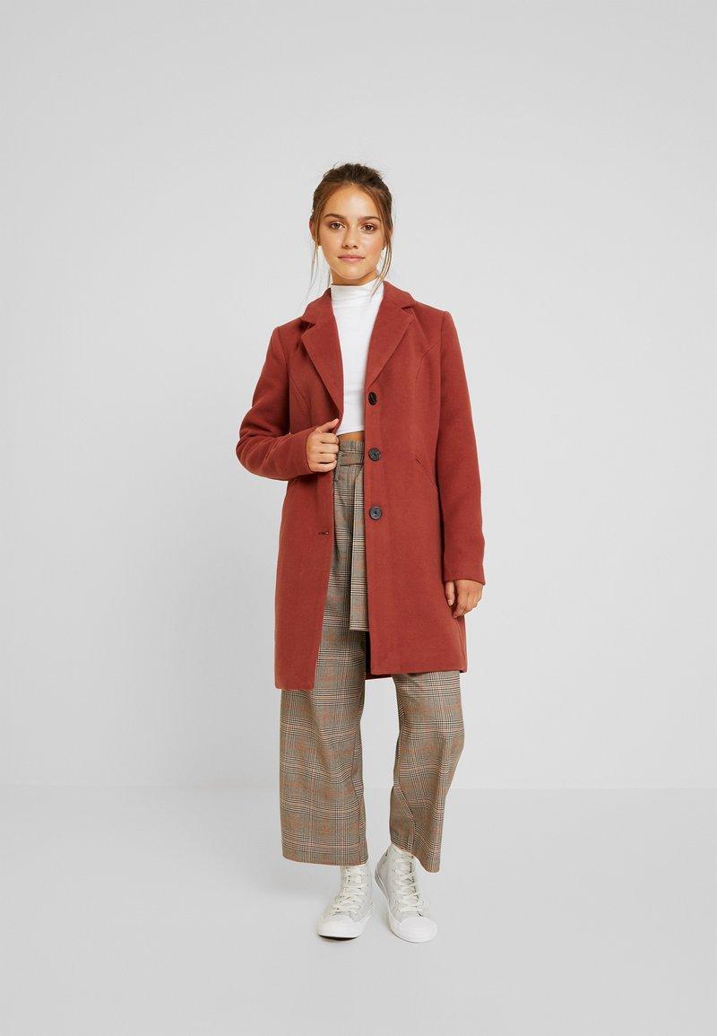 Vero Moda Petite - VMCALA CINDY JACKET - Classic coat - mahogany