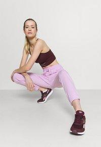 Cotton On Body - GYM TRACK PANTS - Pantalones deportivos - blossom marle - 3