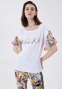 Liu Jo Jeans - T-shirt imprimé - white tropical liu jo - 0