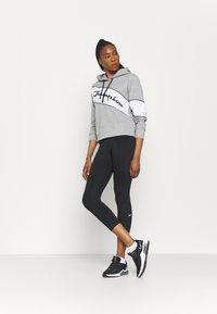 Champion - HOODED - Sweatshirt - oxi grey melange - 1