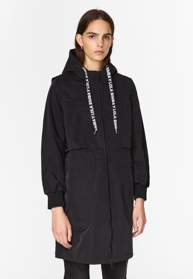 TECHNICAL  - Trenchcoat - black