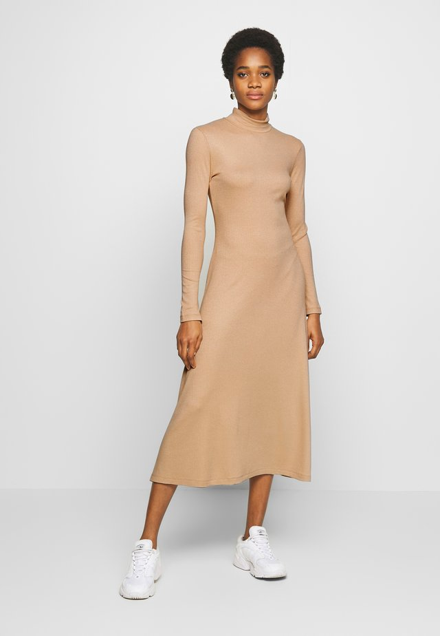 TONYA DRESS - Vestito di maglina - beige