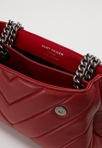 Kurt Geiger London - KENSINGTON BAG - Käsilaukku - red - 4