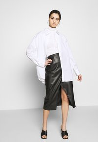 Who What Wear - THE VEGAN SARONG SKIRT - A-Linien-Rock - black - 1