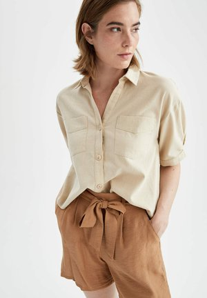 CROPPED FIT  - Camisa - beige