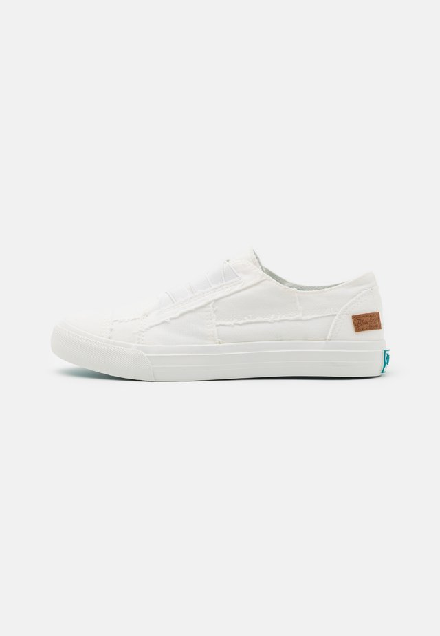 VEGAN MARLEY - Slippers - white