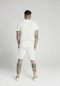SIKSILK - FITTED TEE - T-shirt con stampa - off white - 2
