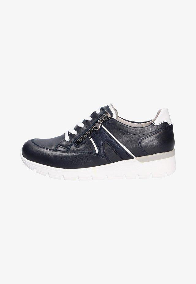 Sneakers laag - deepblueweissnotte (763)