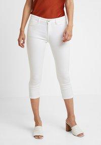 Esprit - MR SKINNY - Denim shorts - white - 0