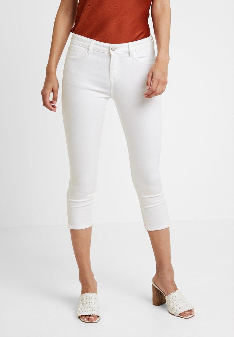 Esprit - MR SKINNY - Denim shorts - white