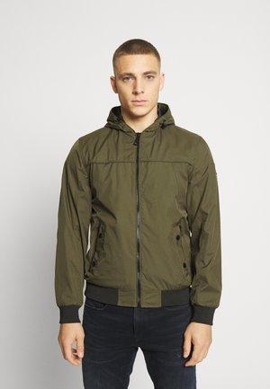 RICKS - Summer jacket - army