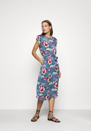 BETTY LOOSE FIT DRESS COLADA - Hverdagskjoler - bluestone blue