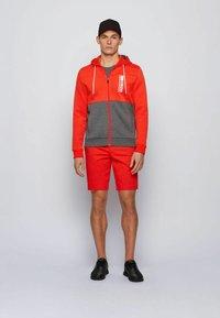 BOSS - SAGGY - veste en sweat zippée - grey - 1