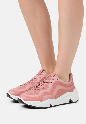 CHUNKY  - Sneakersy niskie - light pink