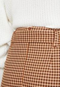 Topshop - CHECK BELTED MIDI - Pouzdrová sukně - brown - 3