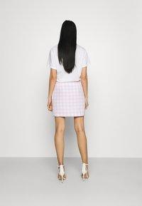 Glamorous - MAYA HIGH-WAISTED SKIRT WITH FRONT SIDE SPLITS - Mini skirt - lilac - 2