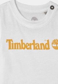 Timberland - SHORT SLEEVES  - T-shirt print - white - 2