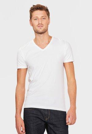 HERREN-BASIC T-SHIRT - Basic T-shirt - white