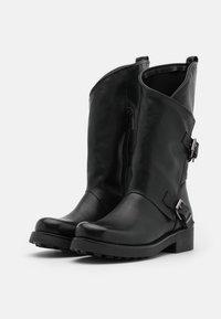 Tata Italia - Kowbojki i obuwie motocyklowe - black - 2