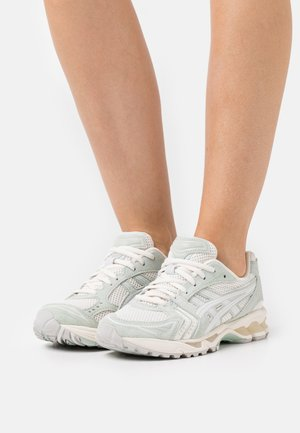 GEL KAYANO  - Sneakers basse - cream/lichen rock
