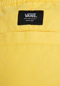 Vans - MN RANGE SHORT 18 - Shorts - yellow cream - 2