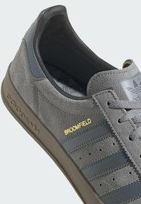 adidas Originals - Sneakers basse - grey - 6