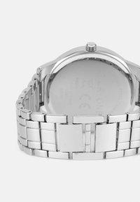 Pier One - WATCH CUFFLINK SET MANSCHETTENKNÖPFE - Watch - silver-coloured - 1
