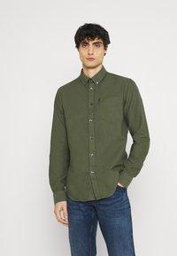 Ben Sherman - SIGNATURE OXFORD  - Shirt - loden green - 0