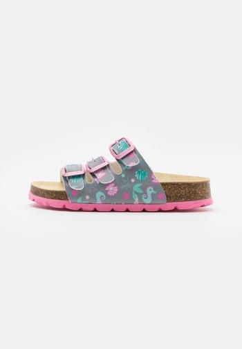 FUSSBETTPANTOFFEL - Domácí obuv - grau