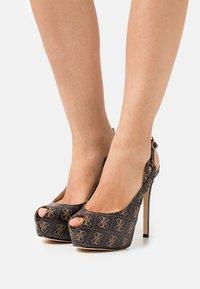Guess - GINNIA - Platform heels - brown - 0