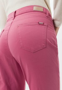 BRAX - STYLE MARY - Trousers - magnolia - 4