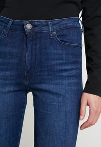 Tommy Jeans - HIGH RISE - Jeans Skinny Fit - cropsey - 3