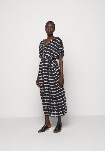 JELLY DRESS - Denní šaty - black and white matches